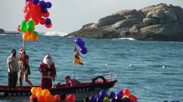 santa-at-the-beach-04
